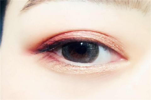 美瞳一天能戴多久?可以�L�r�g佩戴美瞳�幔�