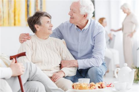 老年人用拐杖���a生依�性��?老年人在什么情�r下用拐杖?
