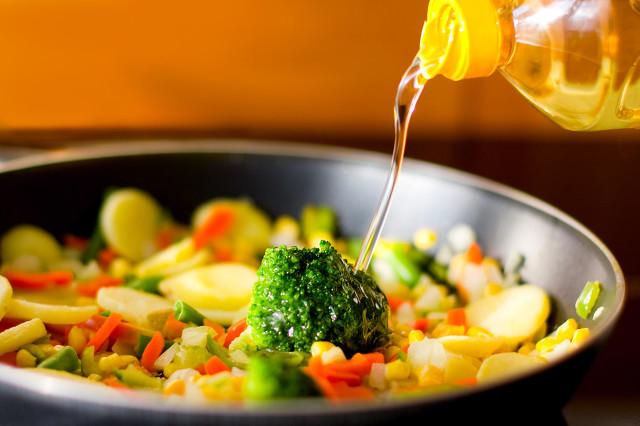 菜籽油和玉米油哪个好