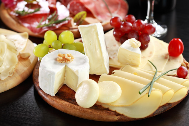 过期的奶酪能吃吗?过期的奶酪其实可以这么用