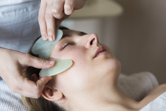 面部刮痧的功效和作用