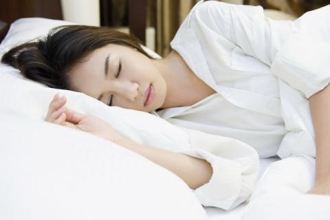 女人睡眠不足吃什么水果好?女人睡眠不足危害多