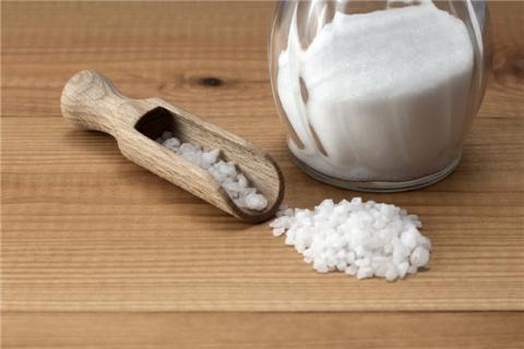 食盐热敷有什么作用?食盐可以泡脚吗?