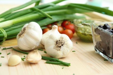 大蒜吃多了有什么副作用?大蒜虽好但不能多吃