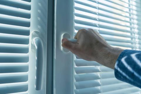开窗通风的正确方式,方法正确还健康