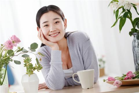 麦冬茶的功效与作用禁忌,麦冬茶适合女人喝吗?