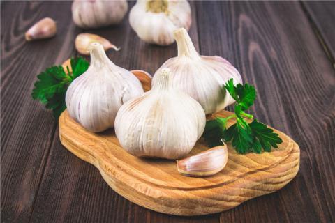 大蒜芽能吃吗?大蒜的保健功效你都了解吗?