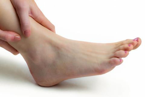 脚扭伤如何处理恢复最快