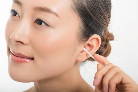 耳朵长痘的原因和调理方法,长痘要及时处理