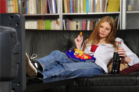 青少年吃零食的害处,怎么吃零食会比较健康?