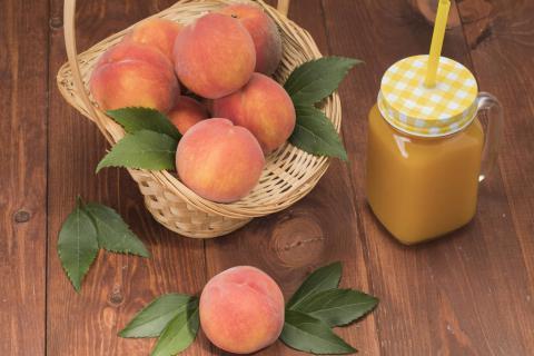 女性来例假能吃桃子吗?女性来例假不能吃什么?