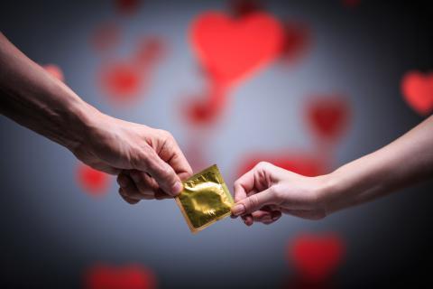 避孕套为什么有油