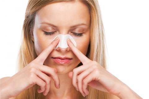 鼻尖有螨虫有什么症状