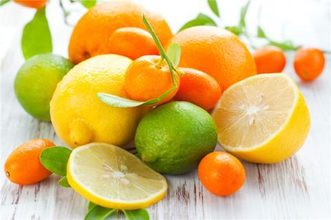 柠檬皮泡水的功效与作用?柠檬皮还有哪些生活妙用?