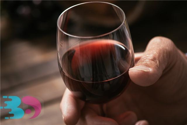男人喝葡萄酒的好处