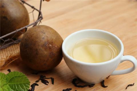 罗汉果泡水的保健作用,罗汉果泡水的副作用?