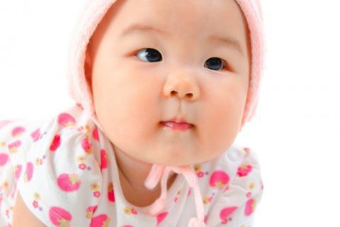 婴儿绿色大便怎么回事?婴儿大便绿色怎么办?