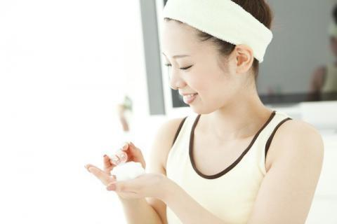 用什么洗脸会变白祛痘?如何改善面部皮肤?