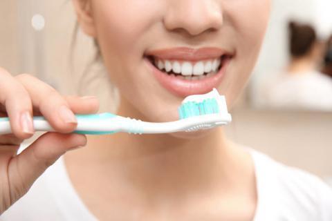 牙龈萎缩怎样治疗