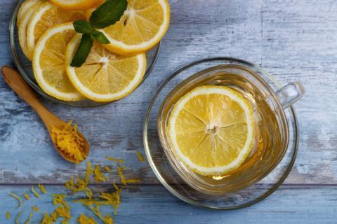 柠檬蜂蜜水一天喝几次?柠檬蜂蜜水什么时间喝比较好?