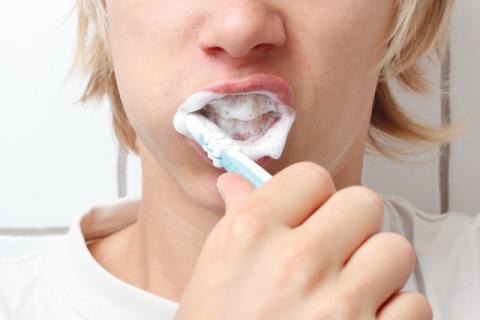 牙齿变白可以用盐吗