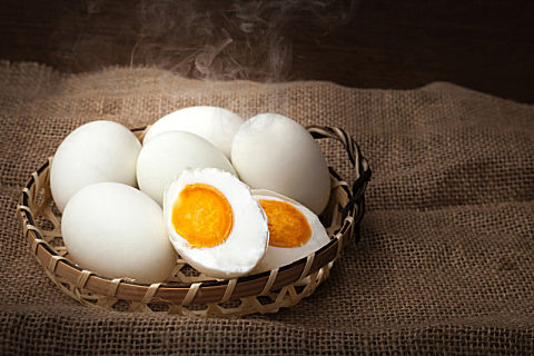 咸鸭蛋要腌多久