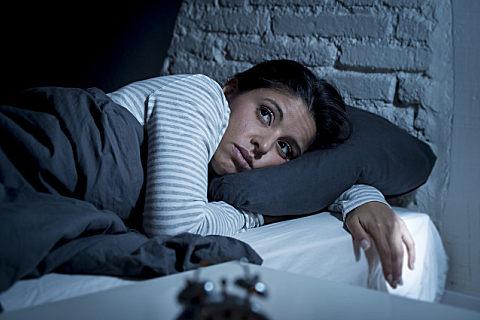 失眠手心发热怎么回事