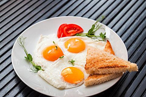 煎荷包蛋会不会破坏蛋白质