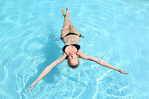 夏天游泳的好处,夏天游泳需要注意什么?
