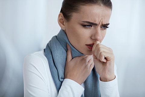 过敏性咳嗽的症状和治疗方法