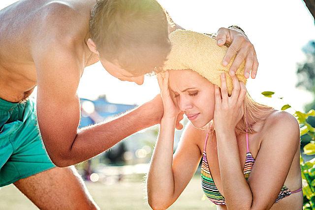 夏天中暑怎么物理降温?中暑有什么急救措施?