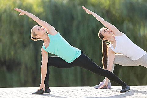 """夏天练瑜伽的好处,夏天练瑜伽需要注意什么?"""""""