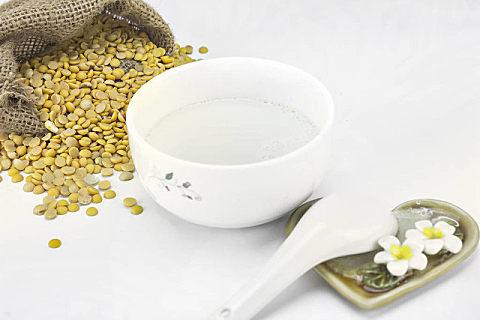 长时间喝豆浆对皮肤的好处,长期喝豆浆需要注意什么?