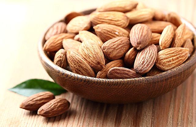 杏仁粉有什么保健功效?杏仁粉的最佳服用量