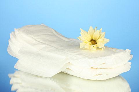卫生巾过期还能用吗?女性使用卫生巾要注意什么?