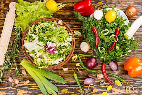 秋天适合吃什么野菜?吃野菜的注意事项