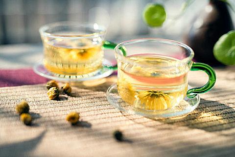 秋天适合喝什么养生花茶