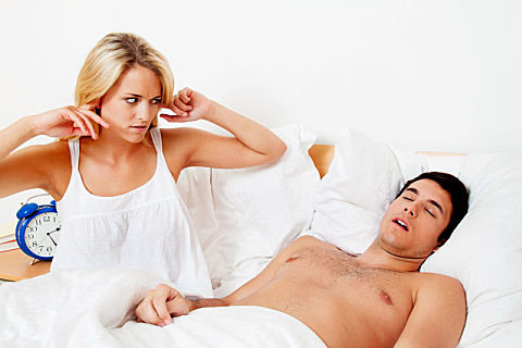 怎么治疗男性打呼噜?男人睡觉打呼噜的原因