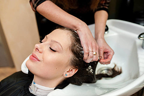 淘米水洗头发的好处