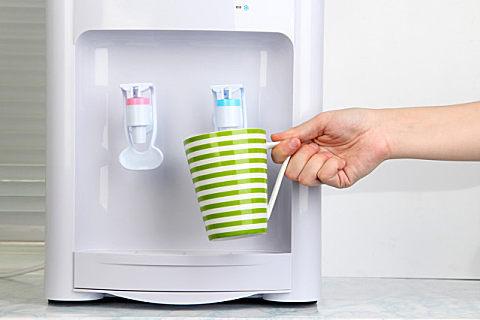 饮水机不清洗有什么危害