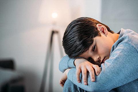 小孩子为什么容易患上抑郁症