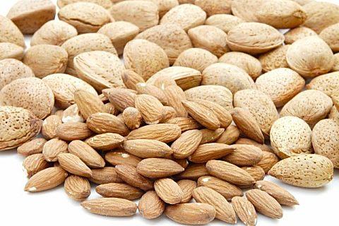南杏仁不能和那些食物一起吃 经常吃南杏仁有哪些好处