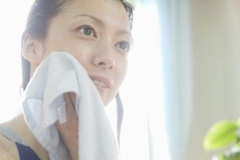 白毛巾怎么清洗干净