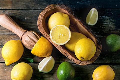 柠檬的果皮能不能吃