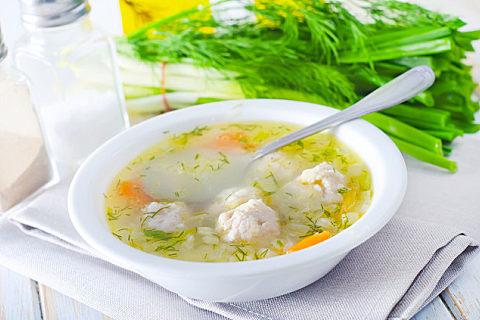 鱼丸用什么鱼肉最好 做鱼丸盐和水比例多少