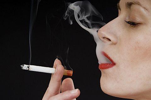 电子烟危害大还是香烟危害大?电子烟能帮助戒烟吗?
