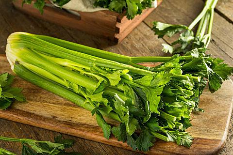 水芹菜和芹菜的区别
