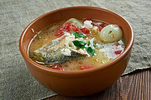 黄花鱼头千万别浪费,这么煲汤才最有营养!