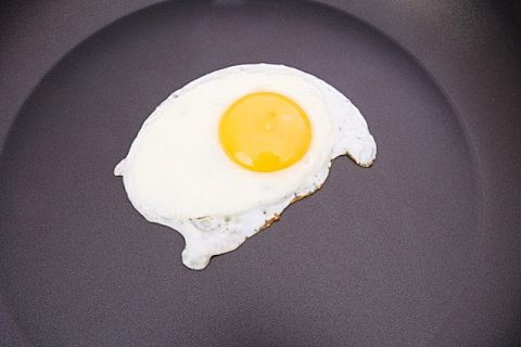 煎鸭蛋为什么会有泡沫 鸭蛋花式做法一览