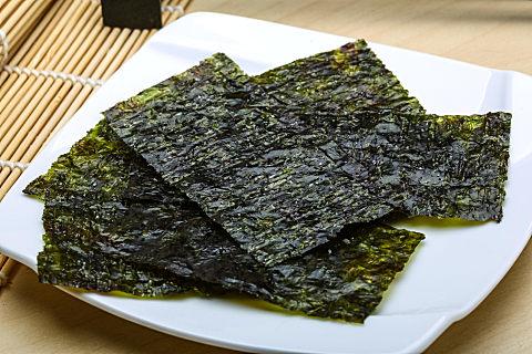 老人吃海苔有哪些好处?东西再好也要懂得过犹不及!